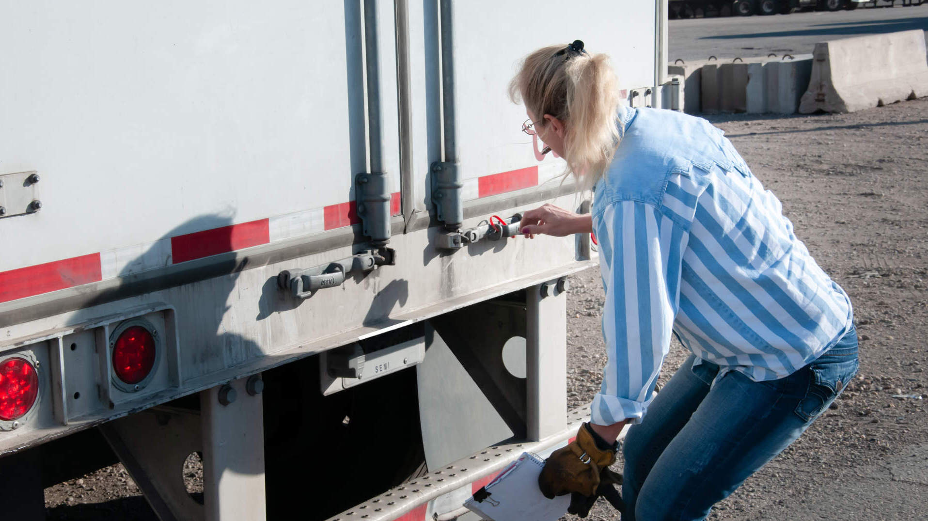 From sleepless nights to trailer theft, many long haul truckers face dangerous safety issues. How can logistics mitigate these risks?